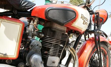 Tour de France de moto anciennes en étape à Saint-Tropez