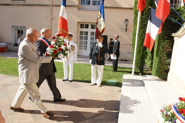 Image 1 - Journée nationale des Harkis