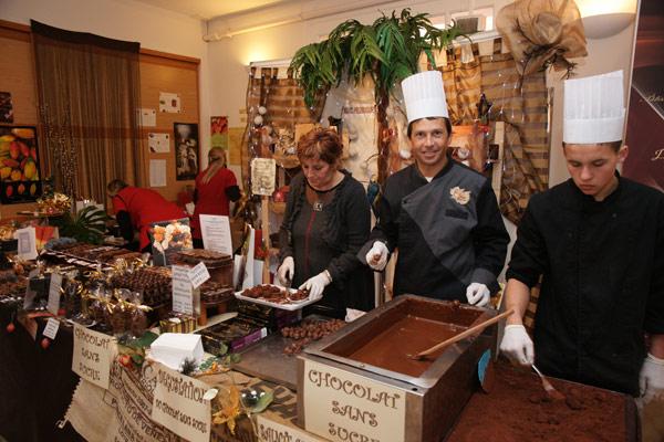Noël à Saint-Tropez : chocolat et patinage au rendez-vous