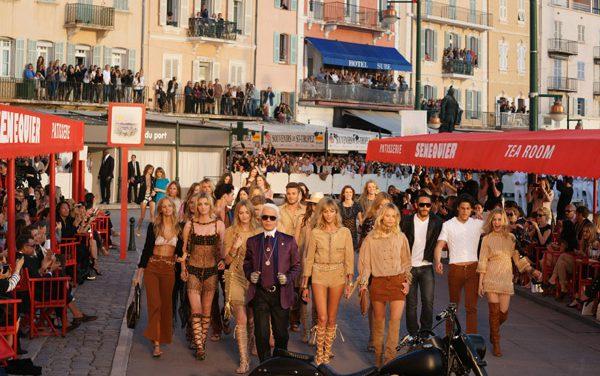 Défilé Chanel : Karl Lagerfeld enchante les quais du vieux port