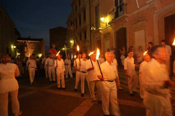 Image 1 - Saint-Tropez fête le patron des pêcheurs