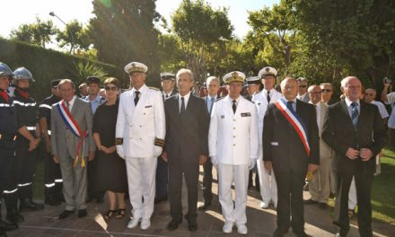 15 août « patriotique » : le secrétaire d'Etat Hubert Falco à Saint-Tropez