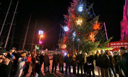 Noël 2010 à Saint-Tropez : illuminations, patinoire et Téléthon