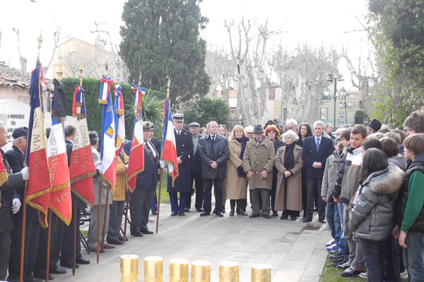 Hommage aux victimes de l'Holocauste