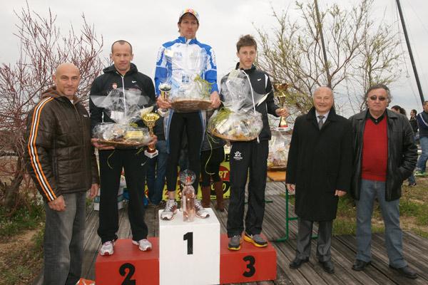 Image 1 - Triathlon : le Raphaëlois Karl Shaw l'emporte en moins d'une heure