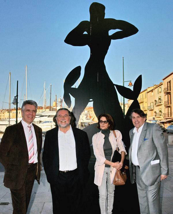 Image 1 - Stefan Szczesny expose ses « ombres » monumentales dans la rue