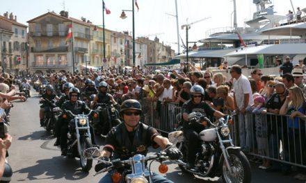 Plus de 2000 Harley en parade à Saint-Tropez