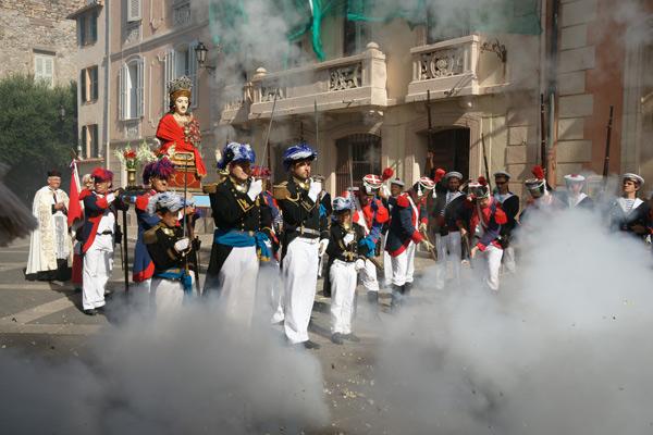Image 1 - La Bravade des Espagnols en mémoire d'une victoire historique