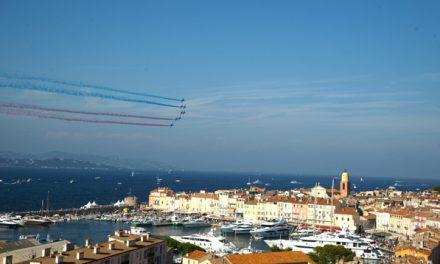 10 000 personnes pour la première des Ailes de Saint-Tropez