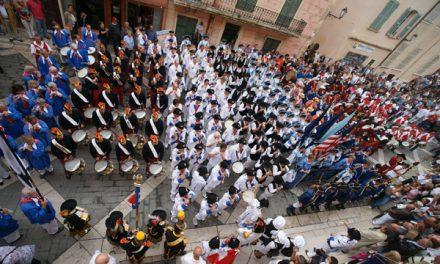 Saint-Tropez au rythme des fifres et tambours