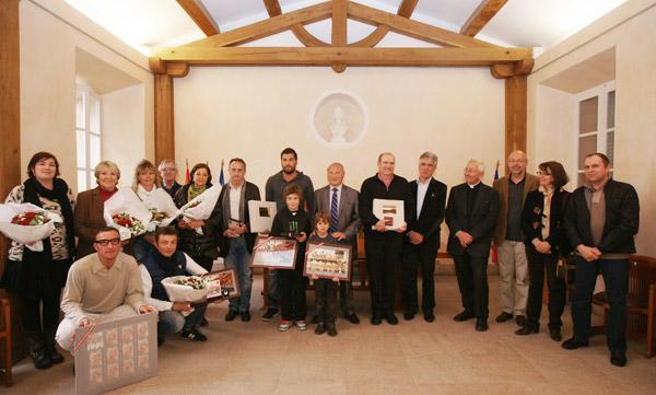 Image 1 - L'état-major de la Bravade 2011 récompensé