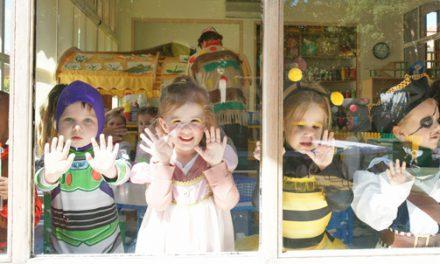 Les enfants ont fêté le carnaval et le printemps 2012