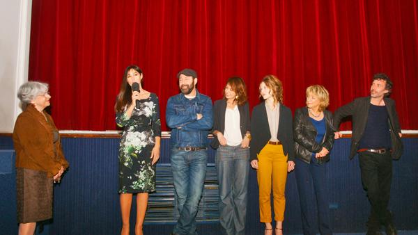 Les comédiens, la réalisatrice et Evelyne Serdjenian présentent le film