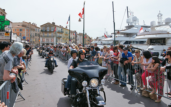 Les Harley ont envahi Saint-Tropez