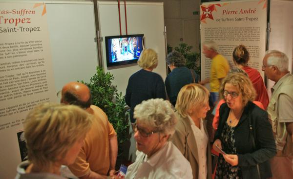 Visiteurs de l'exposition Suffren et les chevaliers de Malte