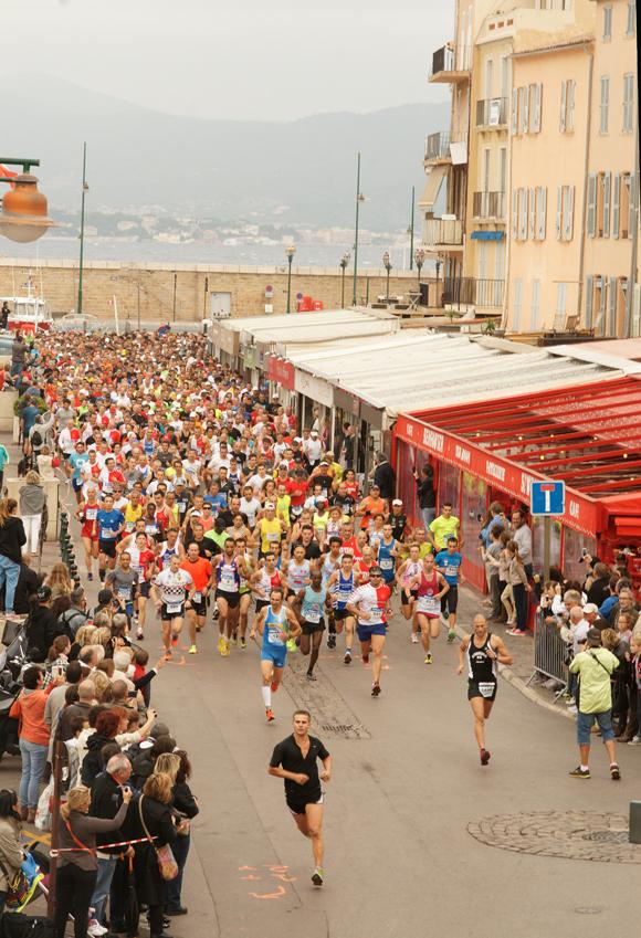 Le spectaculaire départ en ligne quai Jaurès.