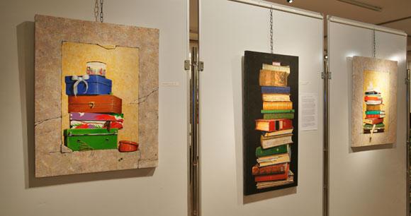 Quelques unes des œuvres exposées lors du salon d'art et d'essai à Saint-Tropez