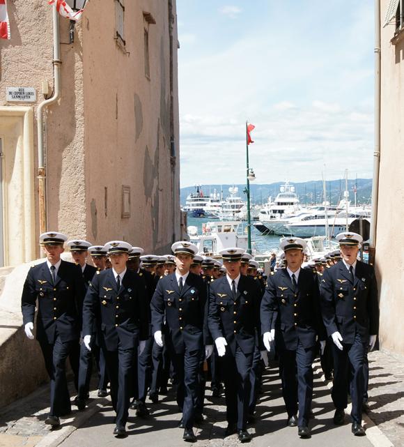 Image 3 - L'Ecole de l'air « fait le mur » à Saint-Tropez