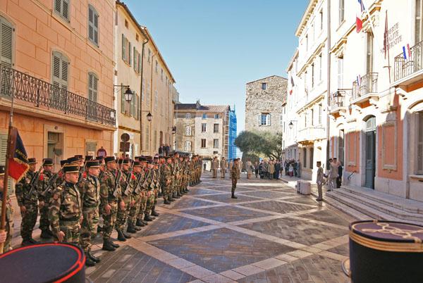 Image 3 - Saint-Tropez accueille la passation de commandement du 3e Rama de Canjuers