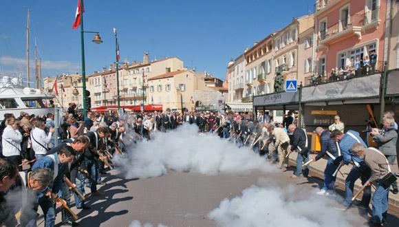 Image 6 - Bravades : Alain Grosso, 457e capitaine de ville