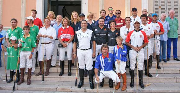 Image 2 - L'International Polo Cup défile sur le port