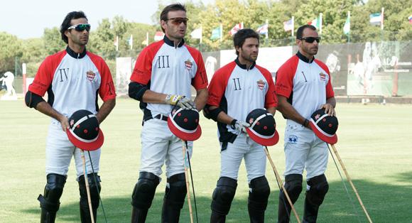 Image 7 - L'International Polo Cup défile sur le port