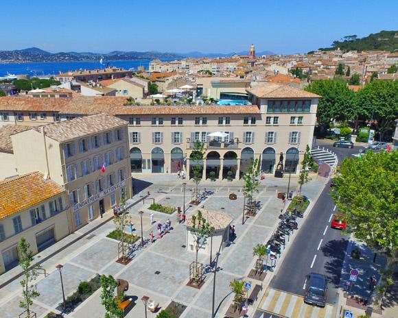 Image 6 - Inauguration de la place Blanqui et première visite officielle du musée de la Gendarmerie et du Cinéma de Saint-Tropez