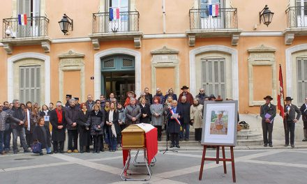 La municipalité et les Tropéziens ont dit un dernier « Longo mai » à Josette Bain