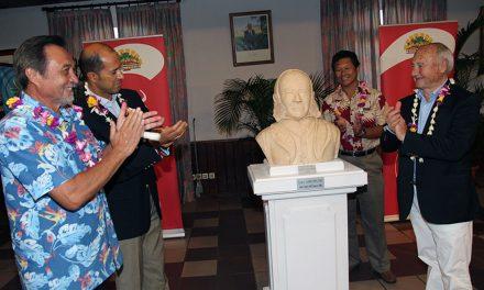 Inauguration du buste de Louis Langomazino à Papeete (Tahiti)