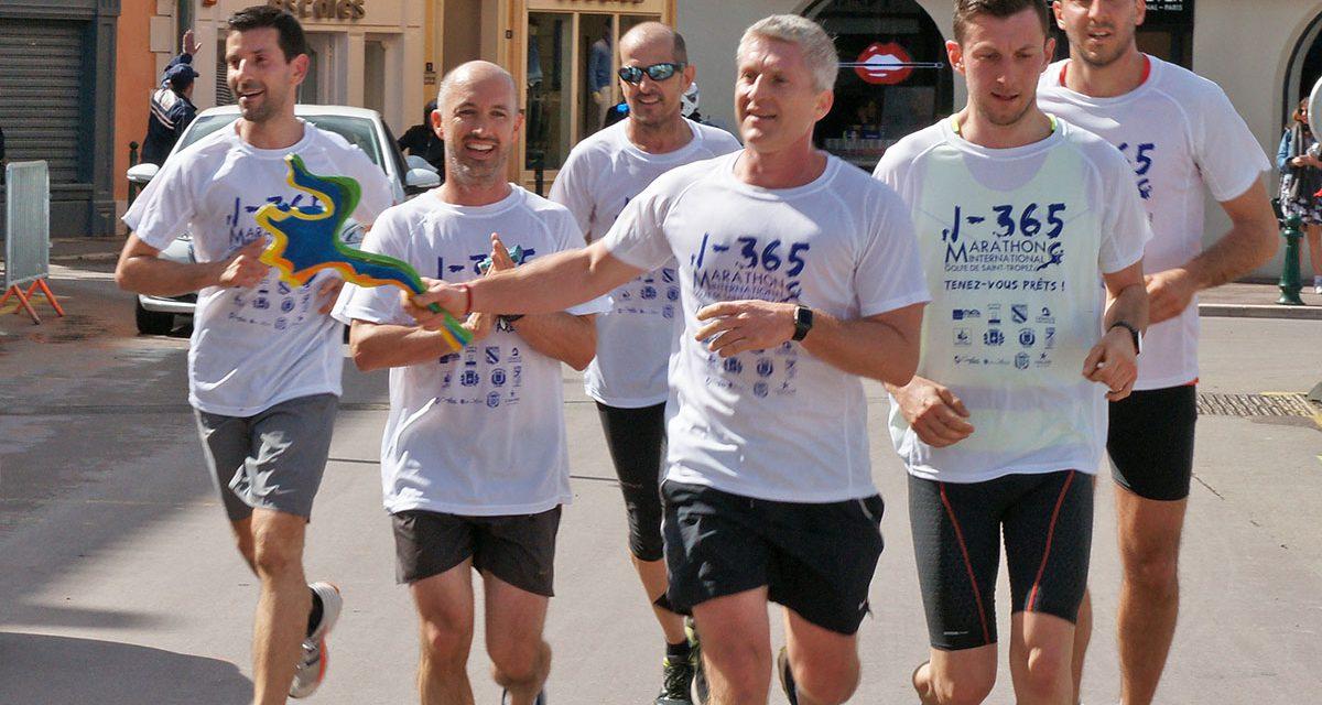 La Flamme du marathon 2018 est passée à Saint-Tropez