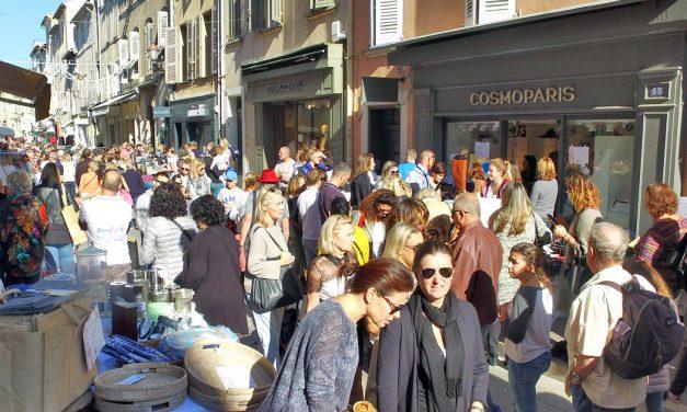 La grande braderie de Saint-Tropez (attention restrictions de circulation et de stationnement)