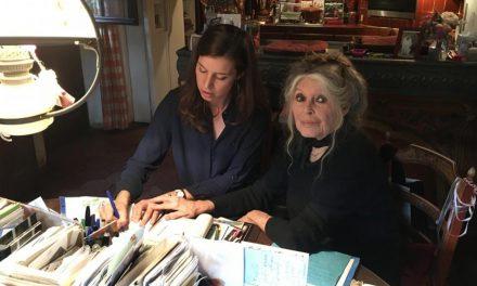 """(Français) Les """"Conversations Secrètes d'Agnès"""" honorent Brigitte Bardot"""