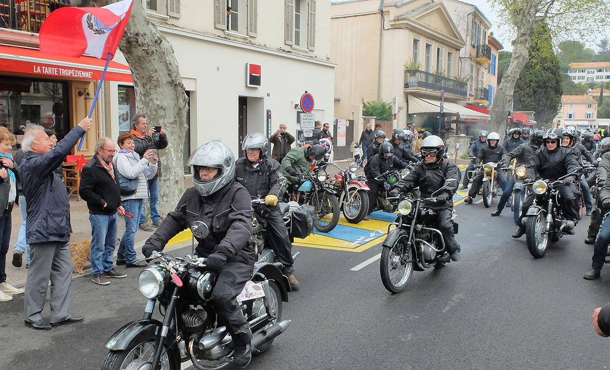 r trop zien rassemblement de motos anciennes site officiel de la ville de saint tropez. Black Bedroom Furniture Sets. Home Design Ideas