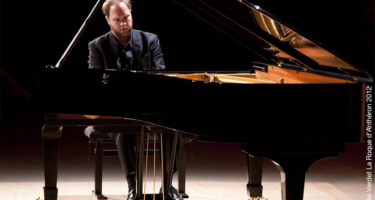 (Français) 16e festival d'automne de Saint-Tropez : Jonas VITAUD (piano)