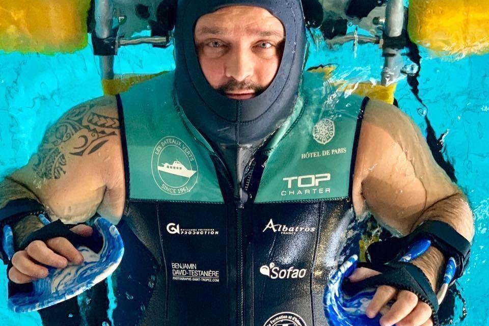 Tony Moggio : la traversée Sainte-Maxime – Saint-Tropez à la force des bras