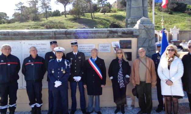 Une plaque à la mémoire d'Aurélie de Peretti