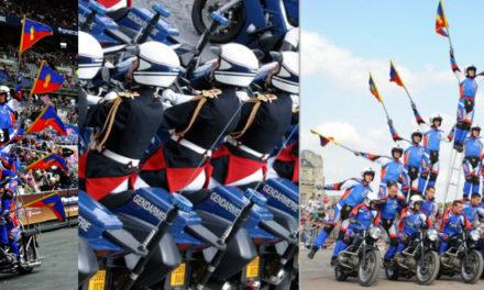 (Français) Spectacle de l'escadron motocycliste de la garde républicaine